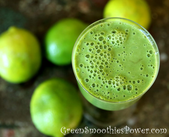 Green Smoothie With Lime and Oats